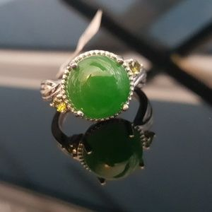 Jewelry - Burmese Green Jade Cabochon